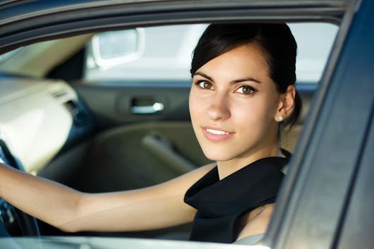 Things to keep in mind while selecting a driving school