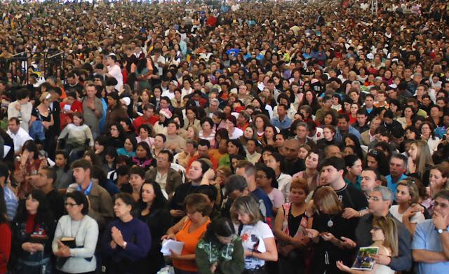 Gravações de chamadas para cultos, missas e eventos religiosos