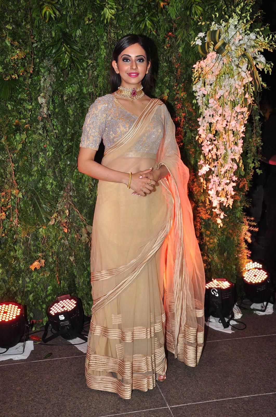 Cute Trendy Wallpapers Rakul Preet At Sreeja Wedding Reception Latest Movie