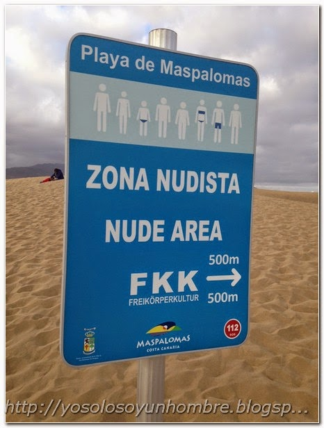 Cartel de zona nudista
