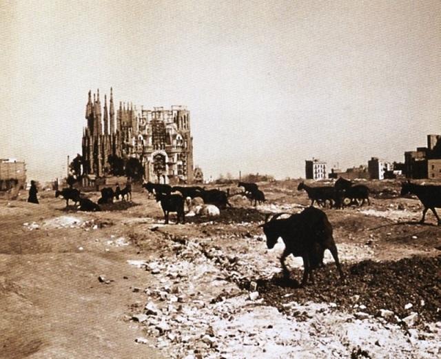 La Sagrada Famíla a començaments del s. XX.