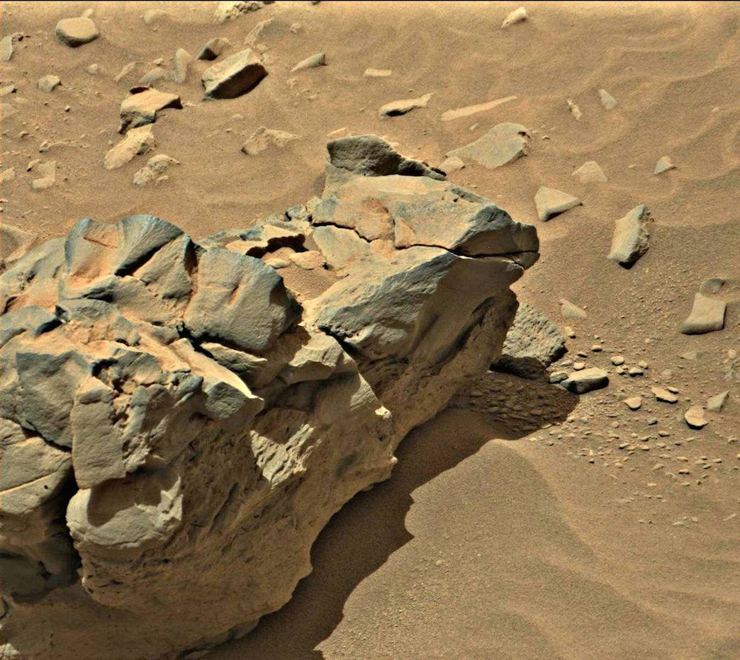 UFO SIGHTINGS DAILY: Mars Curiosity Takes Close Up Photo ...