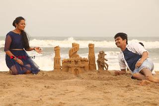 Ganesh Venkatraman Swetha Menon Starring Inaiyathalam Movie Stills  0018.JPG