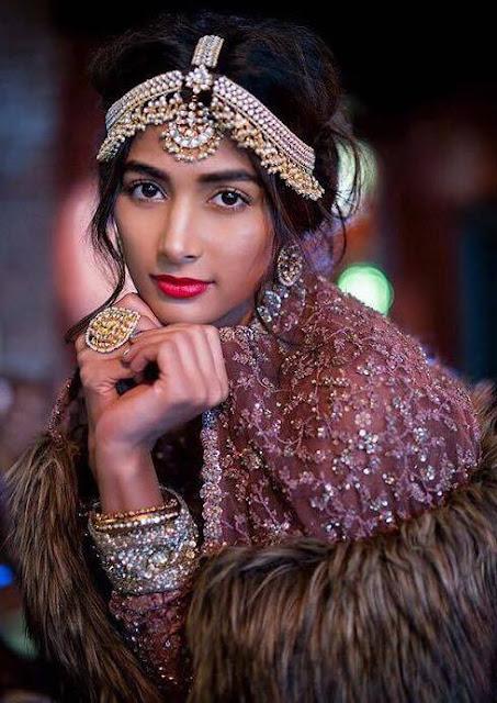 Pooja Hegde Cute Pics - HD Images