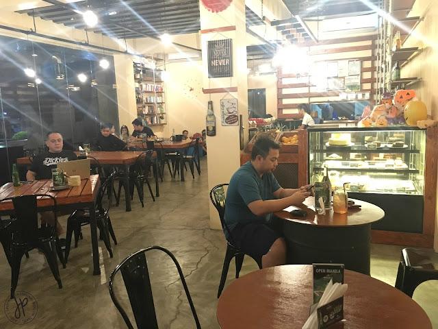 Pallete Cafe interior
