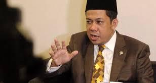 Wakil Ketua DPRD Fahri Hamzah meminta Prabowo Subianto agar mundur dari Partai GERINDRA