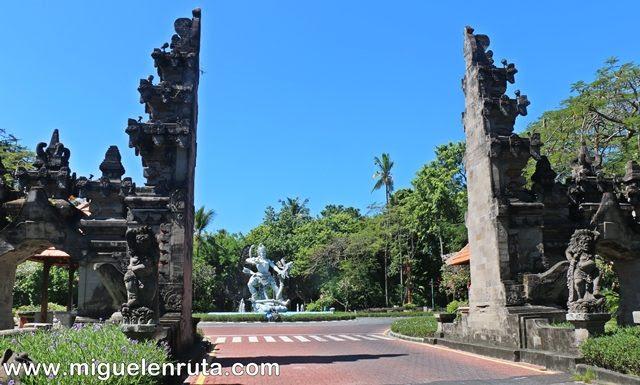 Puertas-acceso-Nusa-Dua