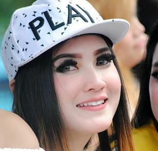 Download Lagu Dangdut Koplo Nella Kharisma Mp3