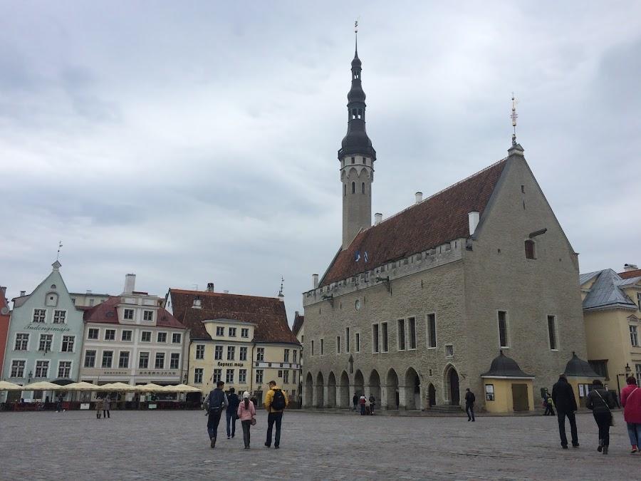 ラエコヤ広場・旧市庁舎(Raekoja Plats・Raekoda)