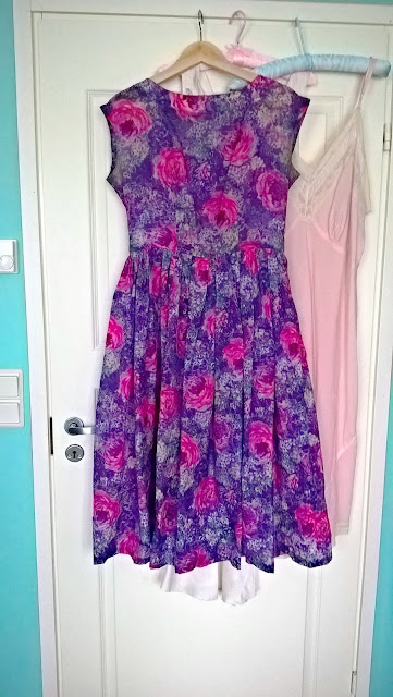 mid 50s nylon floral vintage dress lilac pink roses