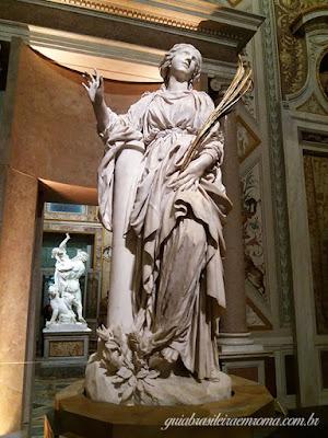 Satan Bibiana, Bernini, guia brasileira em Roma