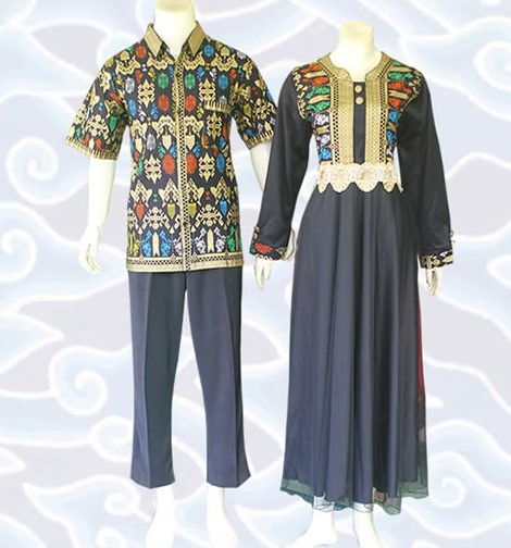 Batik Kerja Sarimbit: 10 Model Gamis Batik Sarimbit Desain Terbaru 2018