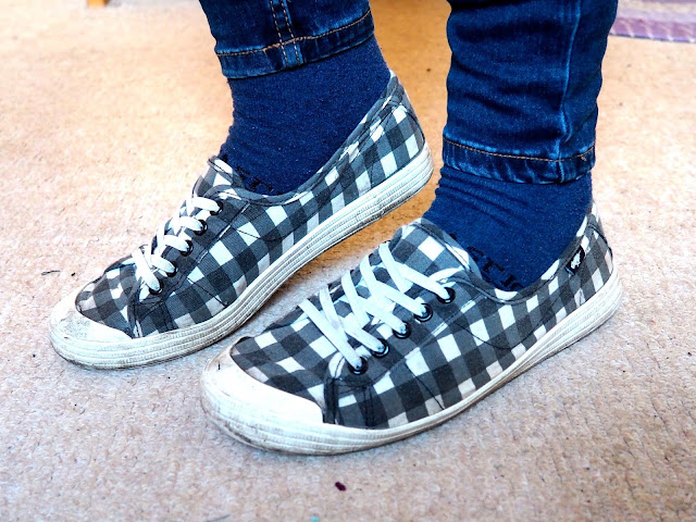 Stitch Disneybound inspired outfit shoe details of grey and white checked trainers with dark blue skinny jeans and socks
