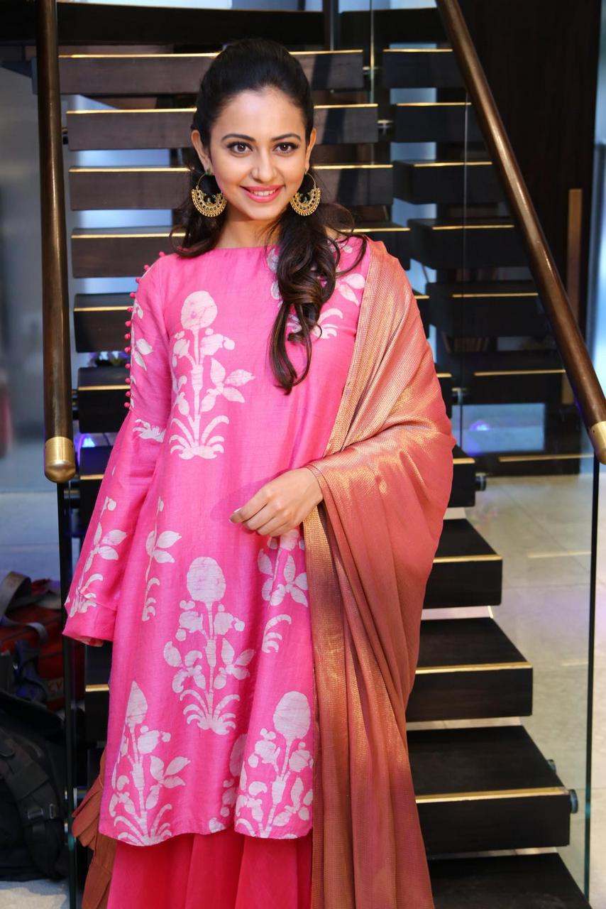 Indian Beautiful Girl Rakul Preet Singh Hot Photos At Lakme Fashion In Pink Dress