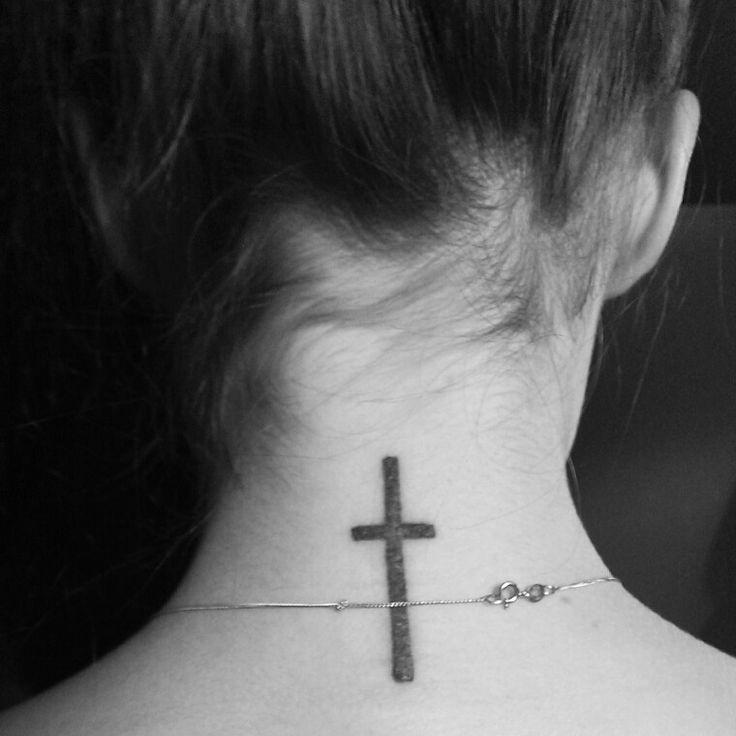 50 Tatuajes De Cruces En La Nuca Para Chicas Belagoria La Web De