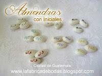 Venta de almendras personalizadas con iniciales chocolates m y m para bodas en guatemala