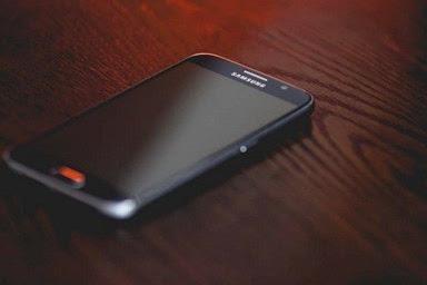10 Cara Menghemat Baterai Samsung Galaxy Tanpa Aplikasi Embel-Embel (🔥Updated)