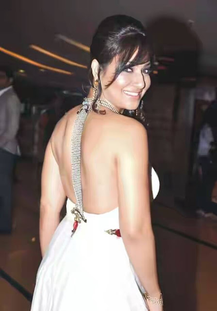 Pakhi hegde HOT backless photo