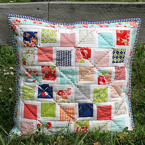 Scattered Squares Pillow - Tutorial