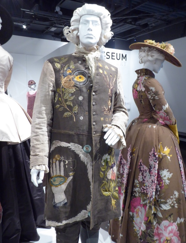 Master Raymond Outlander season 2 costume