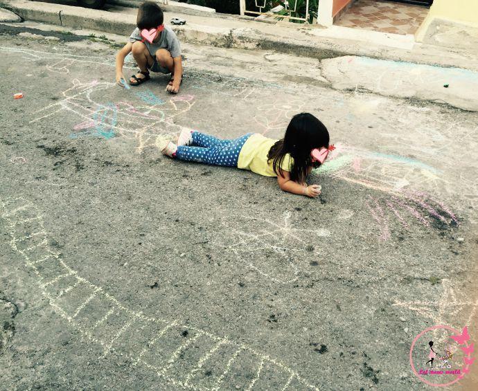 ζωγραφίζοντας στο δρόμο
