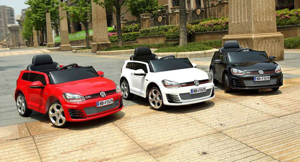 let your kids drive with ride on electric vw golf gti