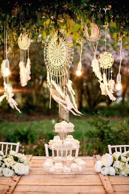 Decoración de bodas con atrapasueños - Foto: www.bridalmusings.com