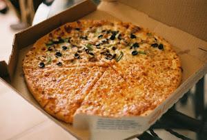 外国人「日本の宅配ピザは高い、高すぎる」(海外の反応)