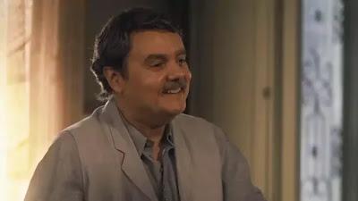 Afonso (Cássio Gabus Mendes) oferece emprego para Durvalina (Virgínia Rosa) em 'Éramos Seis' — Foto: Globo