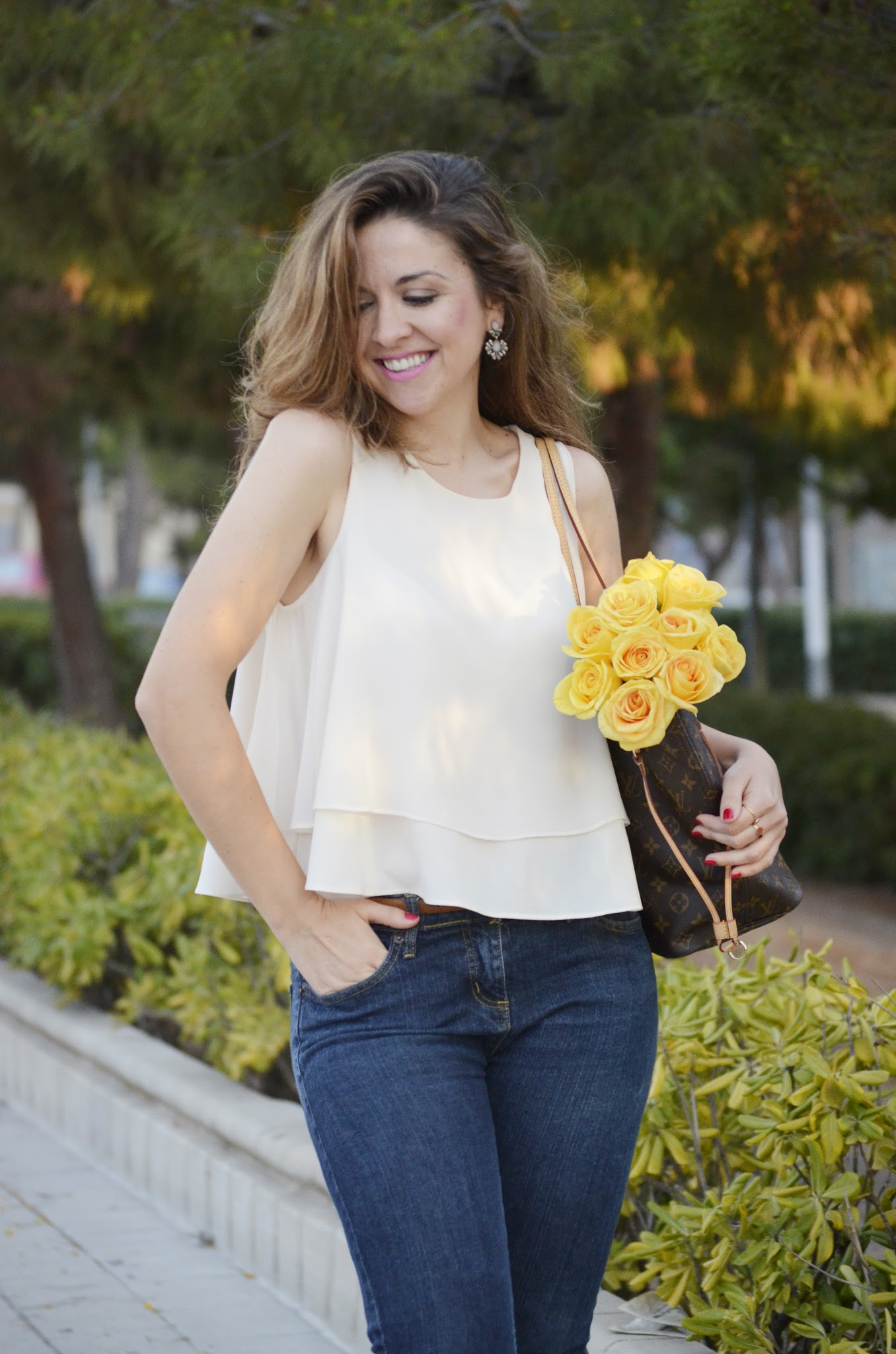 jeans_fresh_flowers_new_sandals