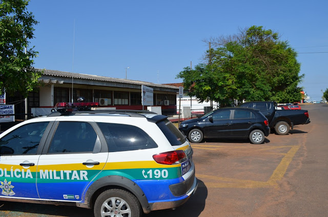 Casal tem moto roubada por suspeitos armados na zona rural de Cacoal