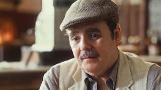 Afonso (Cássio Gabus Mendes) lamenta ser visto por Lola (Gloria Pires) apenas como um amigo