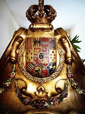 Vista trasera del trono del paso del Lignum Crucis. Real cofradía de Minerva y Vera Cruz. León. Foto. G. Márquez.