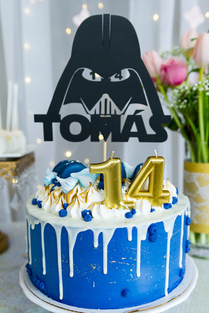 Darth Vader Cake topper by Ilovedoingallthingscrafty