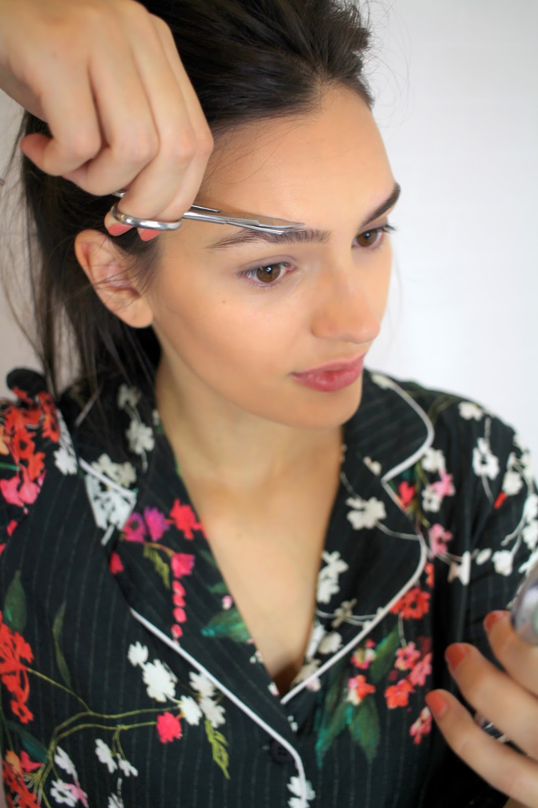peexo beauty blogger eyebrow hacks