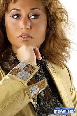 قصة حياة انجي علي (Angie Ali)، إعلامية وممثلة مصرية، من مواليد 1970 في القاهرة ـ مصر.