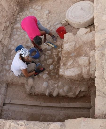 Ελληνική επιγραφή στην κυπριακή συλλαβική ανακάλυψαν στην ακρόπολη της αρχαίας Πάφου