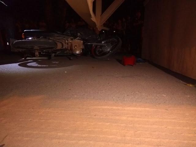 Motociclista bate na traseira de uma carreta e morre em Ji-Paraná