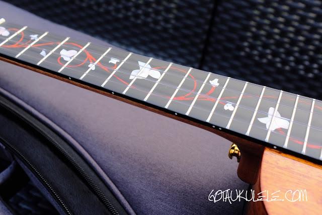 Enya EUT-M6 Tenor Ukulele fingerboard
