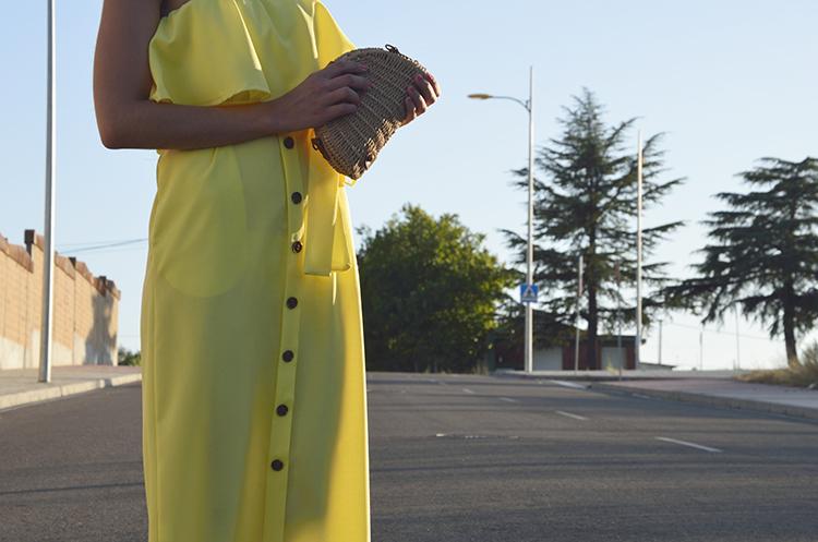 yellow_dress_blogger_summer_look_off_shoulders_trends_gallery