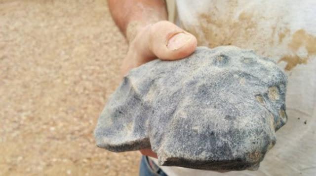 Encuentran la piedra más antigua del mundo en el desierto de Australia 0010278507