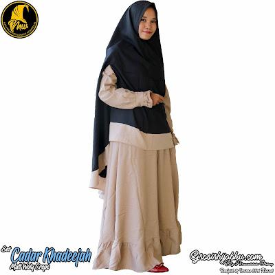 Gamis Setelan Woly Crepe Khimar Model Cardigan Full Semi Rempel