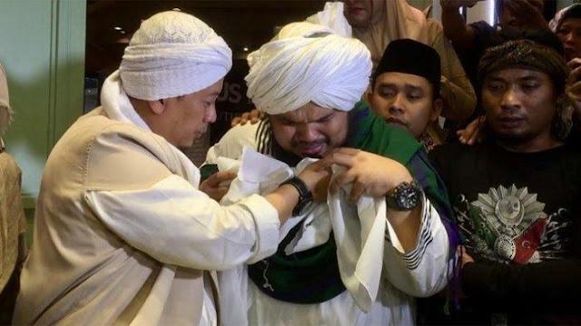 Heboh, Opick Membawa Helai Rambut Nabi Muhammad SAW, Ini Nasehat MUI