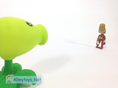 Peachooter Plant VS Zombies Toys
