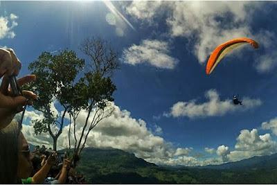 Terjun payung di Toraja, wisata Lolai