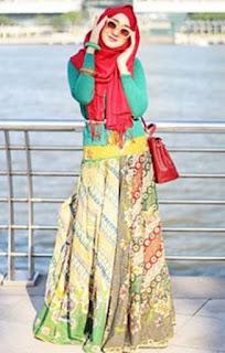 Busana batik modern kreasi dian pelangi fashionable