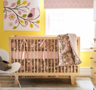 dormitorio bebé rosa amarillo