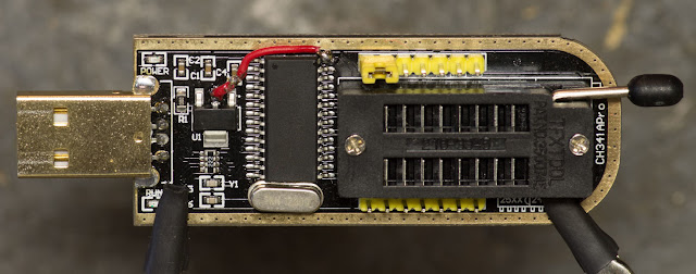 Modificare programator CH341A pentru 3,3 V (by Chuck Nemeth)
