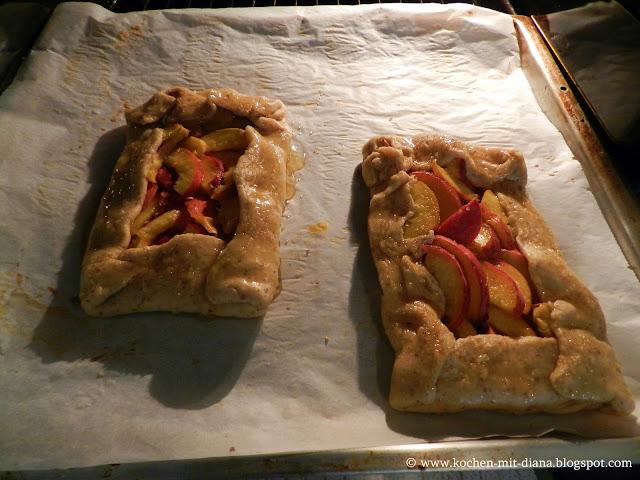 Rustikale Pfirsich Tarte vor dem Backen