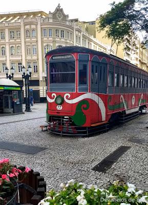 Curitiba Free Walking pelo Centro histórico - Bondinho e Palácio Avenida
